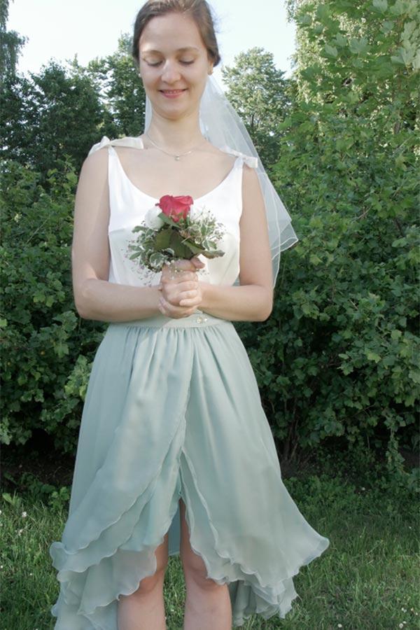Hochzeitskleid mit Rosen